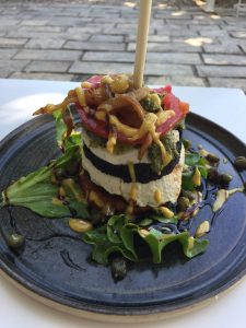 Vegan in Croatia - Art of Raw - Burger