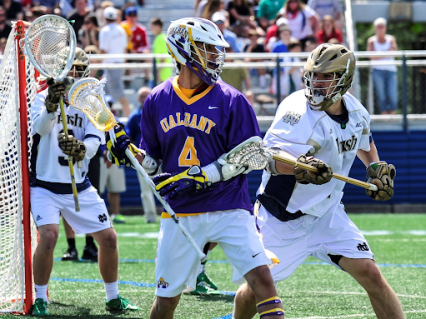 Lyle Thompson carrying the ball