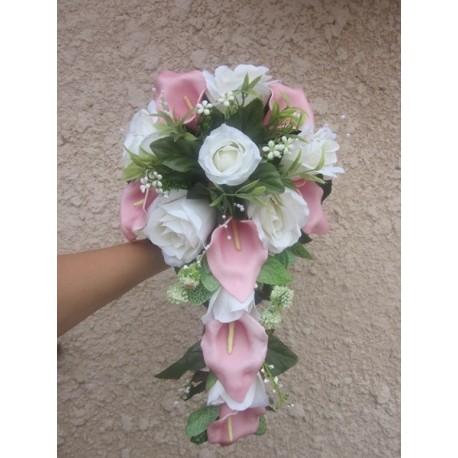 Bouquet De Mariage Avec Des Arums Roses Et Des Roses