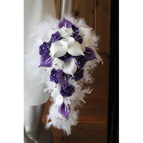 Bouquet Marie Cascade Blanc Et Prune Avec Des Arums Et