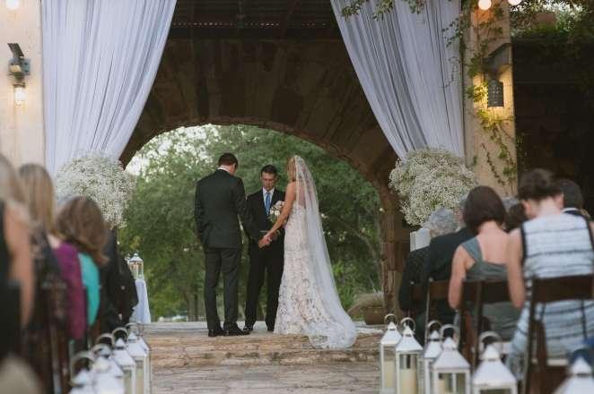 lbj wildflower center outdoor wedding babies breath