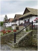 Maison traditionnelle dans le village de Holloko