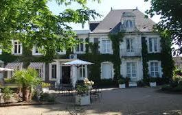 L'Hermitage  (à 28kms)