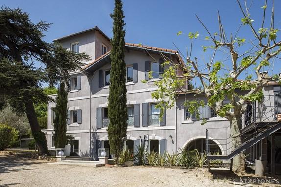 EN IMAGES Vendre Maison De Matre Revisite Marseille