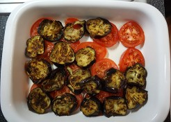 Layering tomatoes and eggplants