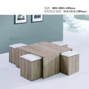 table basse ouverte avec 4 poufs