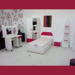 chambre de fille et fillette en blanc et rose