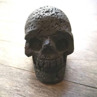 Crâne en pierre de Lave
