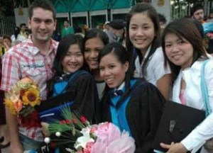 Study while Travelling with Distance Learning - Bangkok Graduation