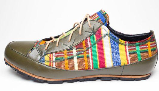 Basket conçu main en Kenté _ Handmade Sneakers in Kente by Mablé Agbodan IMG_6687