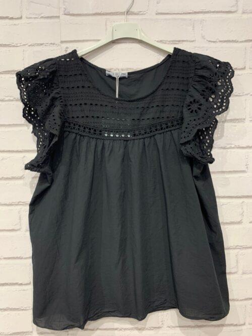 חולצה תחרה ויסקוזה שחורה