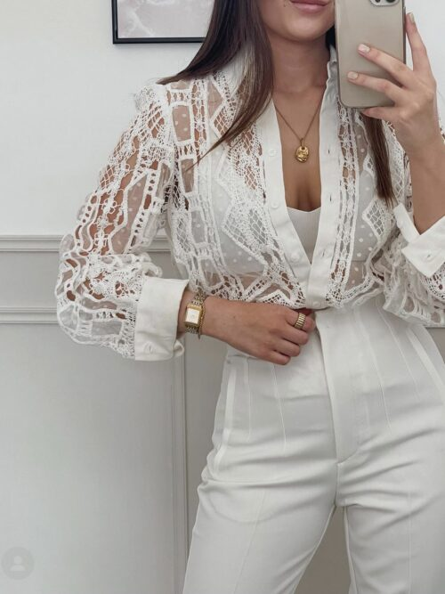 מכנסיים בגזרה גבוהה מחוייט לבן
