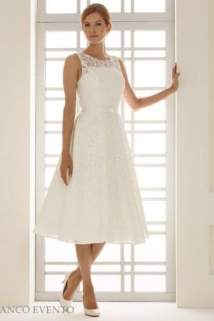 robe de mariée courte - dentelle, style bohème romantique, coupe cintré et évasé en bas