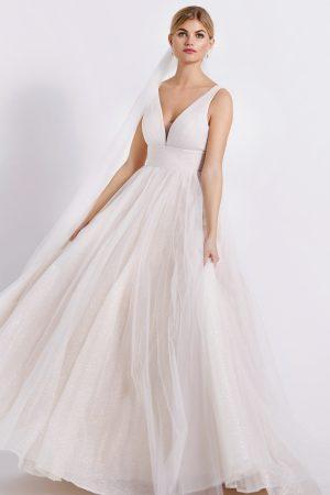robe de mariee modele 4223 nude collection lilly style romantique en tulle pailleté et drapé, décolleté en v et ouvert dans le dos