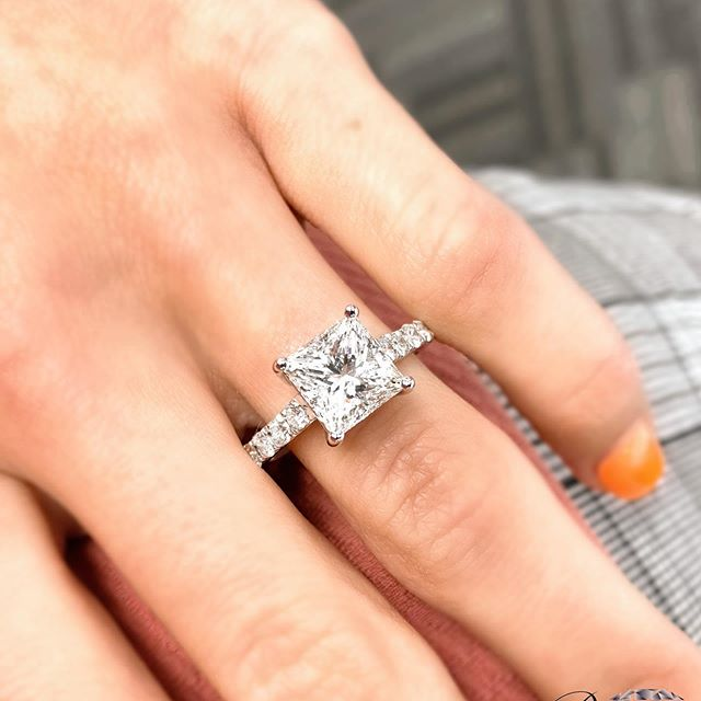 how to find an affordable engagement rings