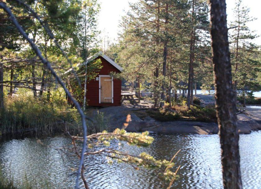 Det är fint anordnat med raststugor och leder för besökare i Skuleskogens nationalpark.