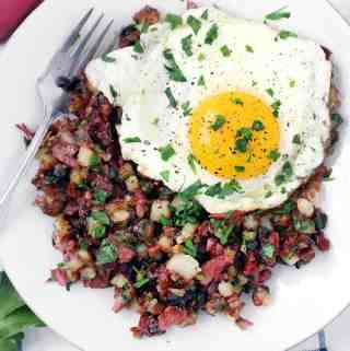 One-Pot Corned Beef Hash (made with raw potatoes)