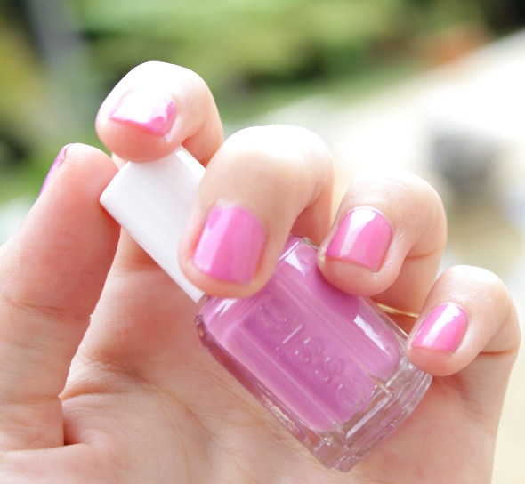 essie swatch splash of grenadine resort collection