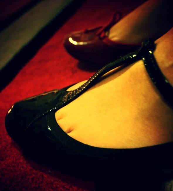 Ma très Chère Lilou repetto noires noir vernis vernis rouge cerise ballerines flats t-strap bb