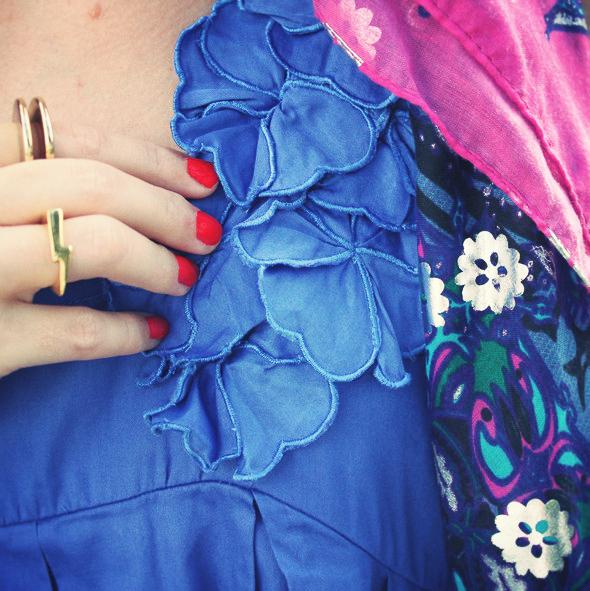 robe bleue à fleurs
