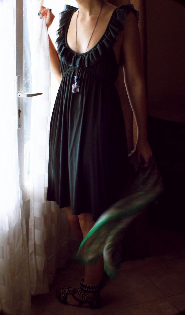 une sublime robe verte mango volants bowsome le blog mode. Black Bedroom Furniture Sets. Home Design Ideas