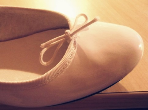 ballerines blanches vernies