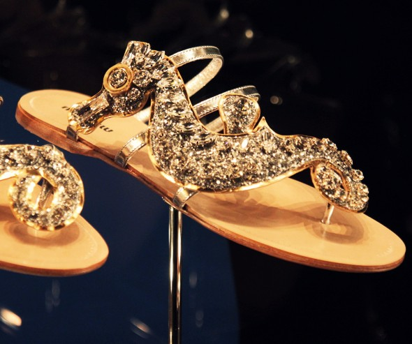 miu miu sandales bijoux plates strass