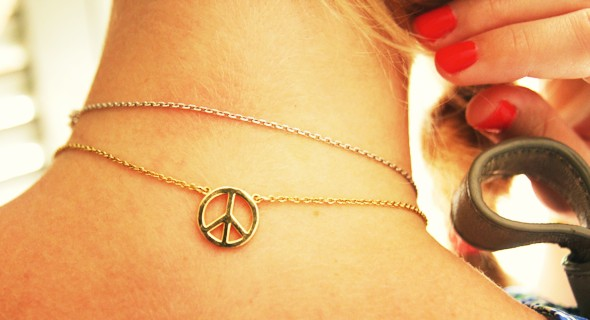 collier peace and love agatha or