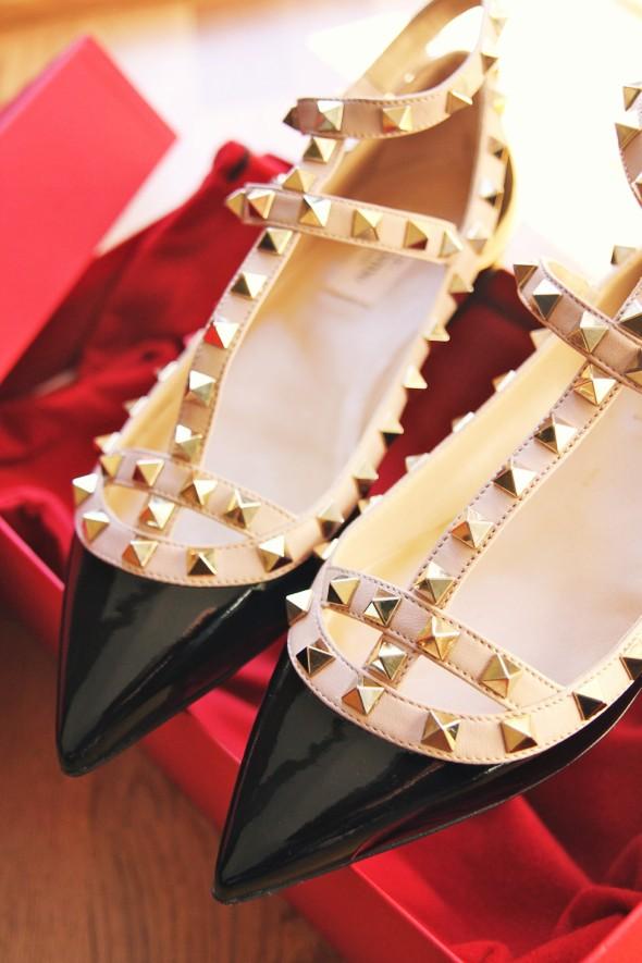 _-valentino garavani rock studs flats ballerinas black beige_effected