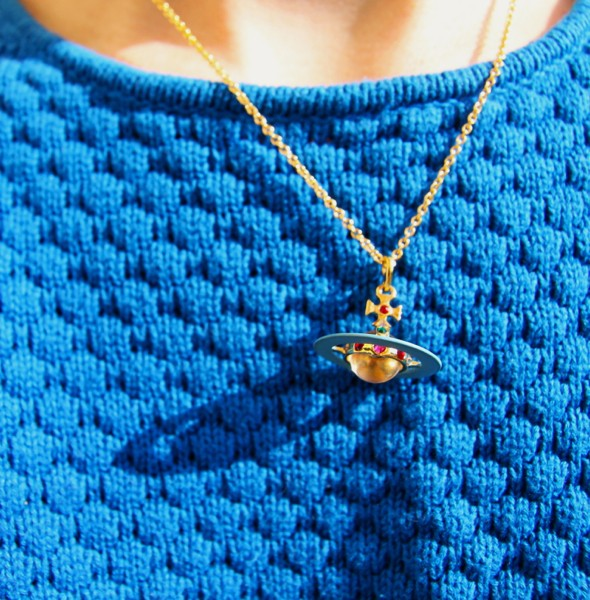 -collier necklace orb vivienne westwood london_effected