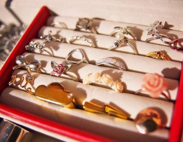 jewel box boite à bijoux bagues rings h&m agatha malte adeline affre_effected
