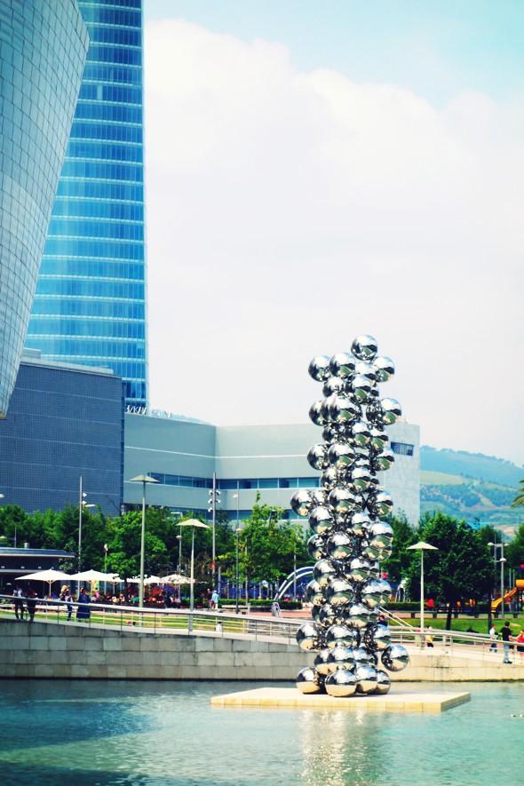 guggenheim bilbao sculpture_effected