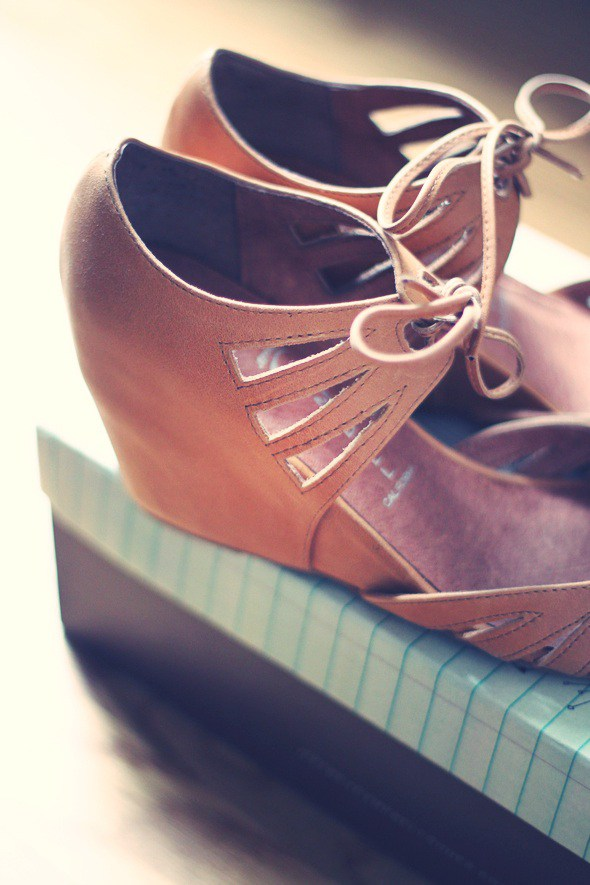 sandales_wedges_camel_jeffrey_campbell_sunny_shade