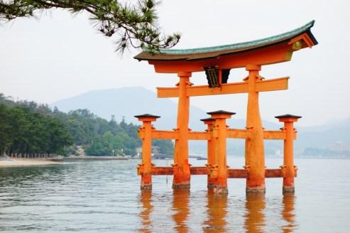 Miyajima_tori_torii_red_orange_gate_japan_japon