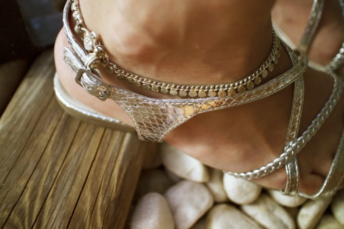 _bracelet_anklet_indian_tamaris_sandals_sandales_argent_argentees_effected