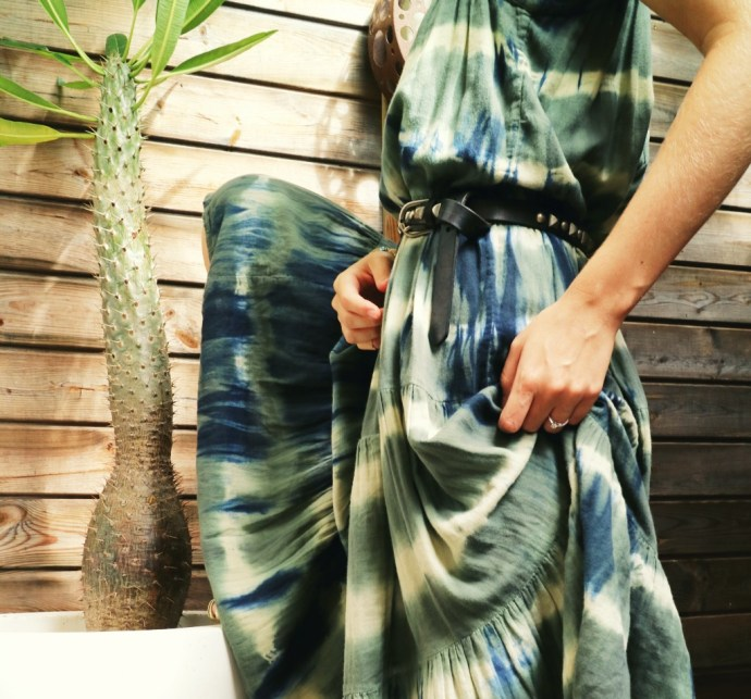 flowing_robe_bash_tie_dye_dress_midi_robe_verte_blanche_bleue_blue_green_kaki_khaki_summer_2016_ete_mode_fashion_blog_effected