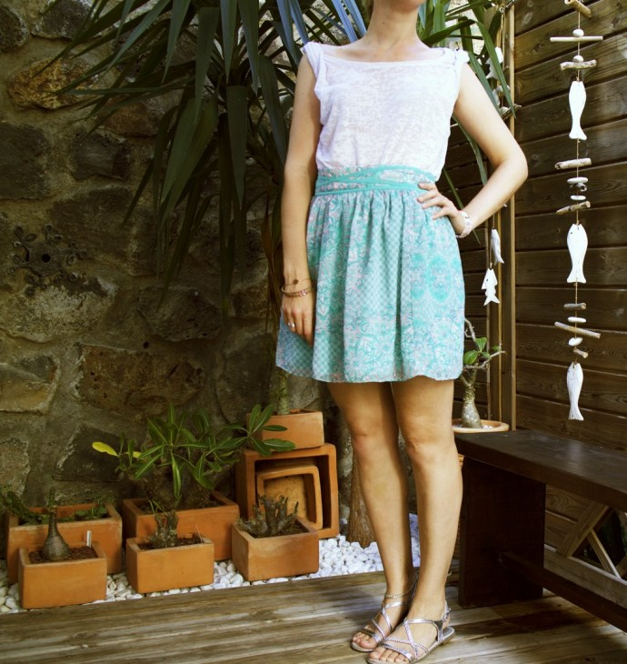 tenue_look_fashion_naf_naf_skirt_jupe_haut_top_hm_h&m_effected