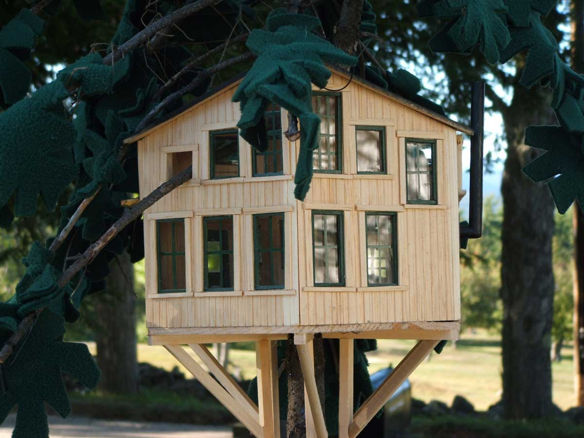 Tree house model up close
