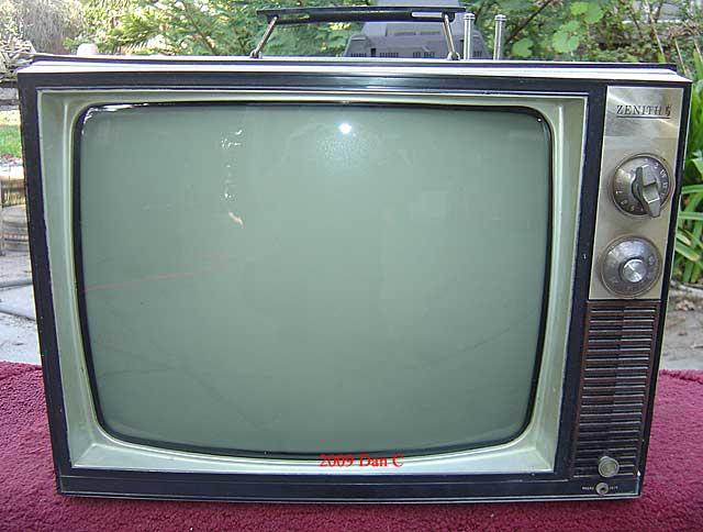 Dan Yahro Vintage TV Radio Collection Repair Los Angeles California