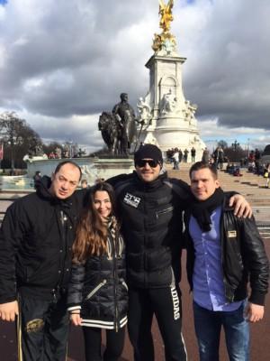 Christian Hammer erkundet er zusammen mit Manager Erol Ceylan und Trainer Bülent Baser die englische Hauptstadt