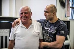 Trainer Wegner und sein Schützling Abraham / Foto: Sebastian Heger