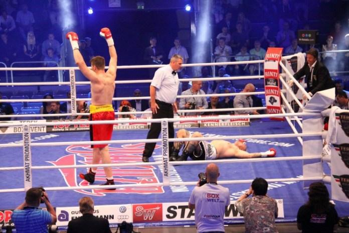 Alexander Dimitrenko gegen Zoltan Csala