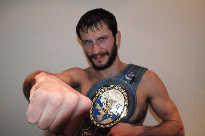 Europameister Igor Mikhalkin kämpft in Frankreich gegen den Hugo Kasperski