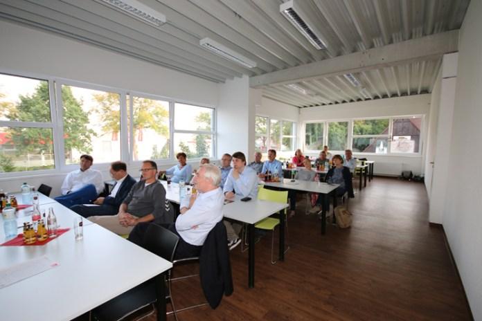 Teilnehmer der Sportreferentenkonferenz zu Besuch am Boxstützpunkt Münster.