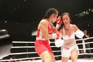 Özlem Sahin gegen Gretchen Abaniel / Foto: Konstantinos Sarigiannidis