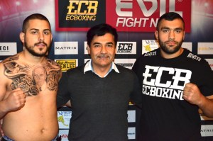 Ali Eren Demirezen vs. Alexander Todorovic / Foto: EC Boxing