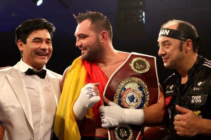 EC Boxing-Chef Erol Ceylan, Christian Hammer und Headcoach Bülent Baser / Foto: EC Boxing