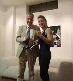 Sandra Atanassow mit ihrem neuen Sponsoringpartner Markus Schefer (Verwaltungsrats-Präsident der Istor AG)