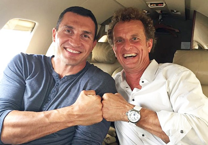 Wladimir Klitschko unterwegs im Privatjet mit BDB Präsident Thomas Pütz