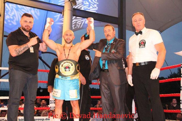 Howik Bebraham - IBO Intern. Champion im Leichtgewicht